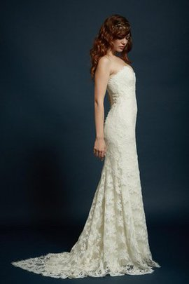 Pleated Elegant & Luxurious Backless Sexy Lace Fabric Wedding Dress