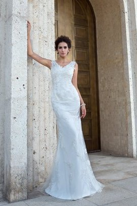 Appliques Sweep Train V-Neck Natural Waist Long Wedding Dress