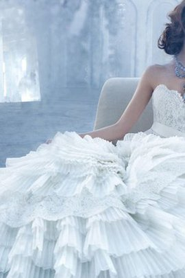 Sleeveless A-Line Organza Sashes Sweetheart Wedding Dress