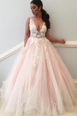 Flowers V-Neck Embroidery Romantic Pleated Prom Dress