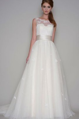 Appliques Court Train Scoop Floor Length Sleeveless Wedding Dress