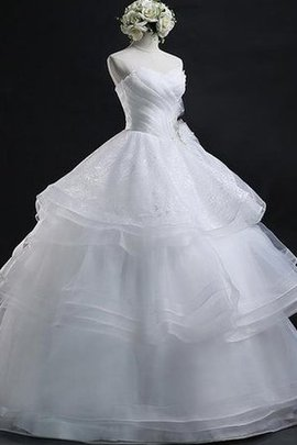 Sleeveless Simple Lace-up Romantic Ball Gown Wedding Dress