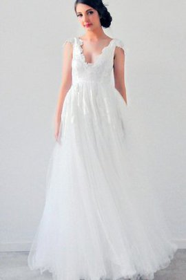 Simple Scalloped-Edge Lace Fabric Capped Sleeves Wedding Dress