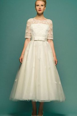 Beach Appliques Tulle Half Sleeves Bateau Wedding Dress