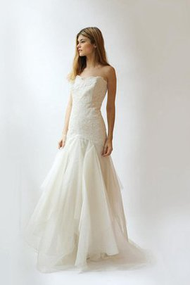 Ruffles Chic & Modern Lace Misses Pompous Wedding Dress