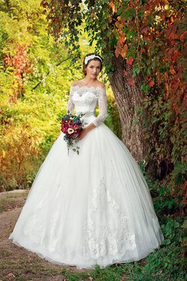 Romantic Ball Gown Appliques Elegant & Luxurious 3/4 Length Sleeves Wedding Dress