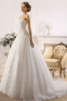 Sleeveless Lace Fabric Backless Tulle A-Line Wedding Dress