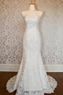 Floor Length Keyhole Back Button Lace Wedding Dress