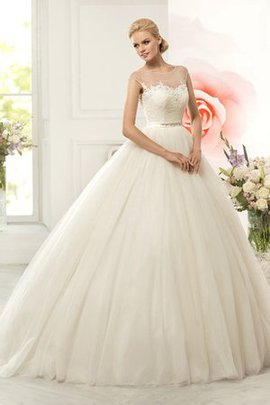 Appliques Court Train Ball Gown Scoop Capped Sleeves Wedding Dress