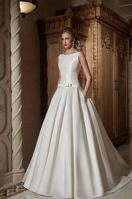 Sleeveless Bateau Court Train Button Natural Waist Wedding Dress