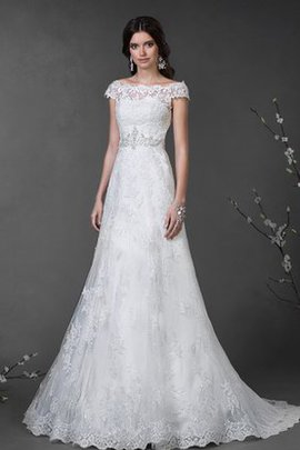 Appliques Scalloped-Edge Lace Capped Sleeves Sweep Train Wedding Dress