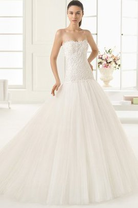 Zipper Up Dropped Waist Sleeveless Lace Fabric Romantic Wedding Dress