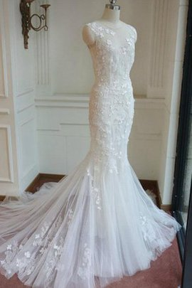 Simple Button Floor Length Elegant & Luxurious Wedding Dress