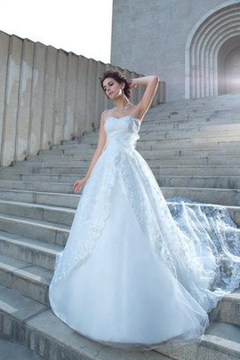 Sweetheart Sleeveless Long Lace Empire Waist Wedding Dress