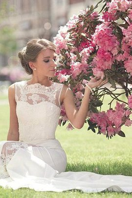 Exquisite Elegant & Luxurious A-Line Beach Embroidery Satin Romantic Wedding Dress