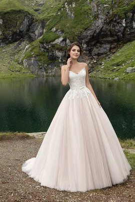 Appliques Sleeveless Court Train Bow Floor Length Wedding Dress