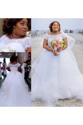 Beach Bateau Appliques Plus Size Capped Sleeves Wedding Dress