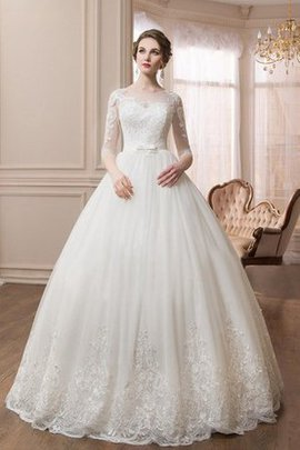 Tulle Button Lace Court Train Elegant & Luxurious Wedding Dress