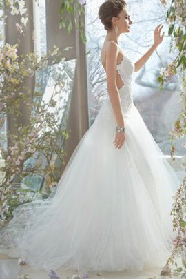 Spaghetti Straps Sleeveless Natural Waist Ball Gown Tulle Wedding Dress