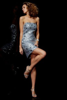 Strapless Sequined Natural Waist Short Sheath Homecoming Dress