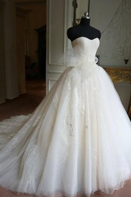 Zipper Up Lace Sleeveless Ball Gown Sweetheart Wedding Dress