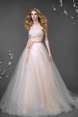 Lace-up Floor Length Court Train Sweetheart Natural Waist Wedding Dress