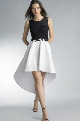 Pleated Chic & Modern Lace Fabric Ruffles Informal & Casual Homecoming Dress