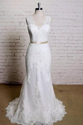 Sashes Romantic Elegant & Luxurious Vintage Button Wedding Dress