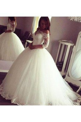 Romantic Off The Shoulder Chic & Modern Elegant & Luxurious Zipper Up Wedding Dress