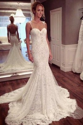 Spaghetti Straps Sweetheart Romantic Vintage Lace Fabric Wedding Dress