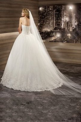 Romantic Pleated Tulle Appliques Court Train Wedding Dress