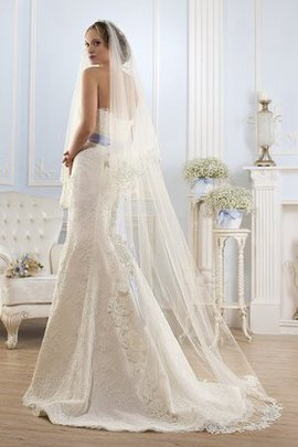 Backless Appliques Floor Length Mermaid Strapless Wedding Dress