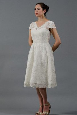 Vintage Short Sleeves V-Neck Lace Zipper Up Wedding Dress
