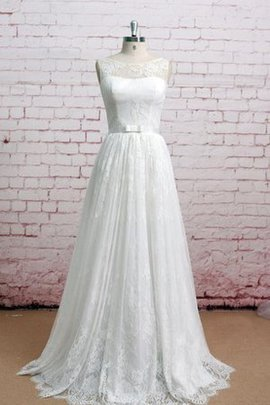 Sleeveless Lace Bateau Natural Waist Wedding Dress