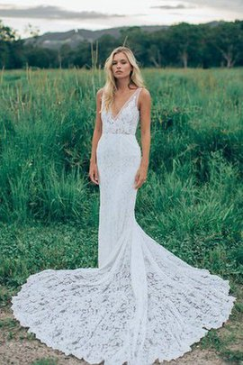 Lace Backless Elegant & Luxurious Vintage Wedding Dress