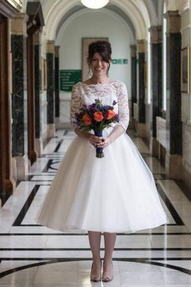 3/4 Length Sleeves Pleated Vintage Elegant & Luxurious Simple Wedding Dress