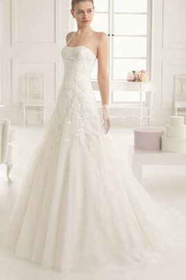 Romantic Embroidery Sweep Train Lace Fabric Misses Wedding Dress