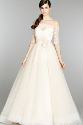 Sweep Train Lace 3/4 Length Sleeves Natural Waist Tulle Wedding Dress