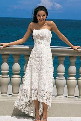 Beach Chic & Modern Chiffon Sleeveless Wedding Dress