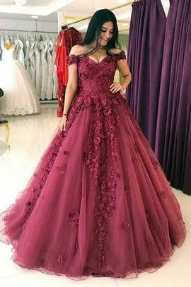 Sleeveless Sweep Train Off The Shoulder Ball Gown Cute Tulle Natural Waist Prom Dress