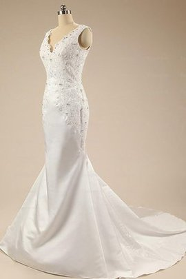 Long Beading Floor Length Lace Fabric Backless Wedding Dress