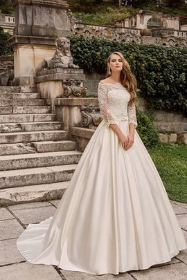 Long Court Train Ball Gown Elegant & Luxurious Off The Shoulder Wedding Dress