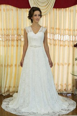 Lace Fabric Sleeveless V-Neck Beading Wedding Dress