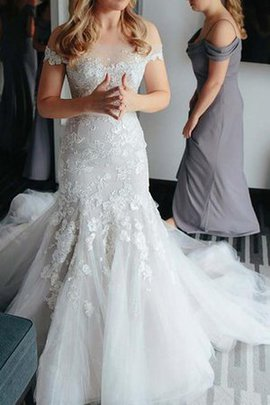 Sexy Court Train Chic & Modern Appliques Short Sleeves Wedding Dress