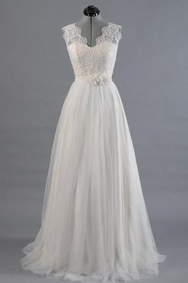 Lace Fabric Sashes Scalloped-Edge Tulle Wedding Dress