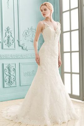 Appliques Lace Fabric Spaghetti Straps Elegant & Luxurious Romantic Wedding Dress