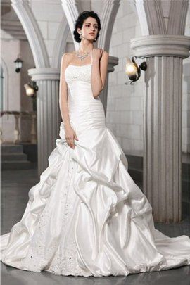 Beading Chapel Train Strapless Appliques A-Line Wedding Dress