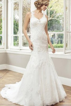Long Lace Sleeveless Court Train V-Neck Wedding Dress