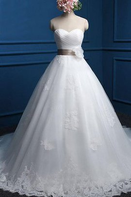 Sweetheart Tulle Natural Waist Capped Sleeves Wedding Dress