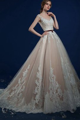 Vintage Floor Length Lace Romantic Long Wedding Dress